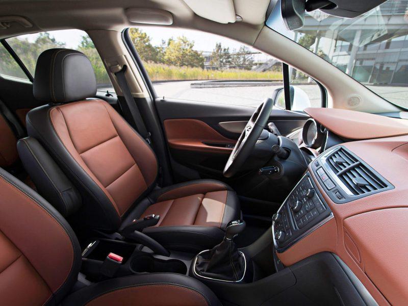 Передние кресла Opel Mokka