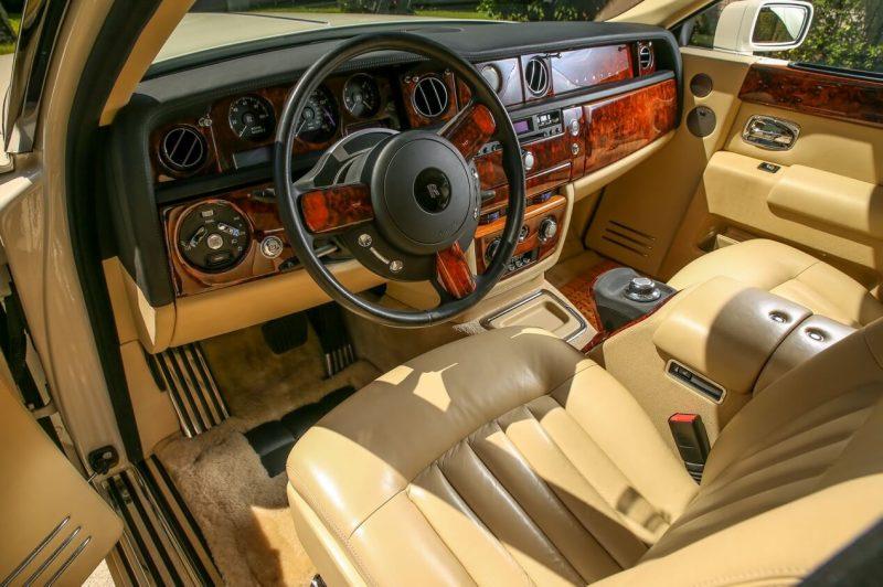 Салон Rolls-Royce Phantom VII