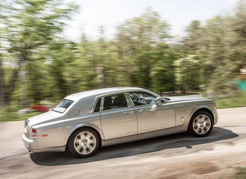 Авто Rolls-Royce Phantom 2012