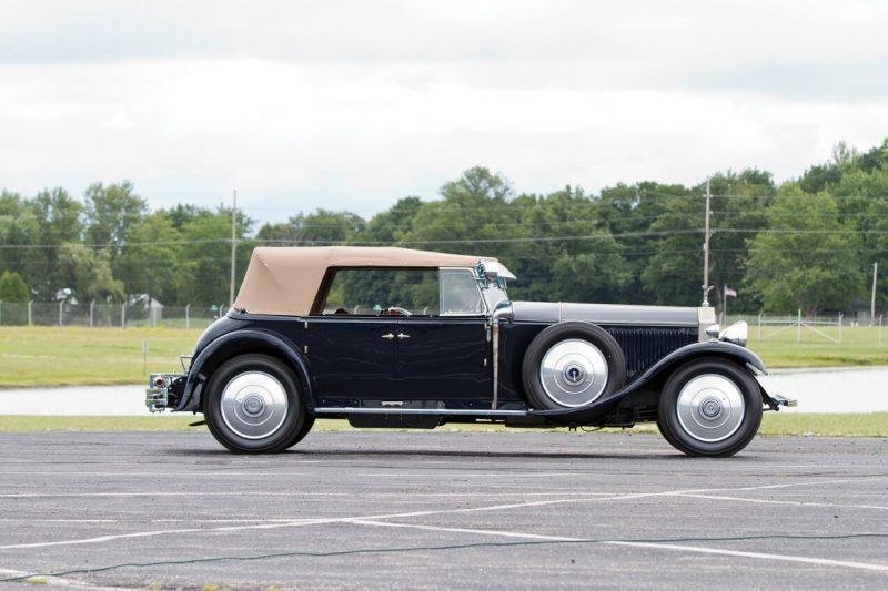 Rolls-Royce Phantom II вид сбоку