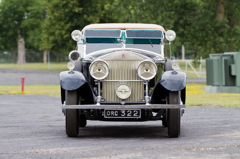 Rolls-Royce Phantom II вид спереди