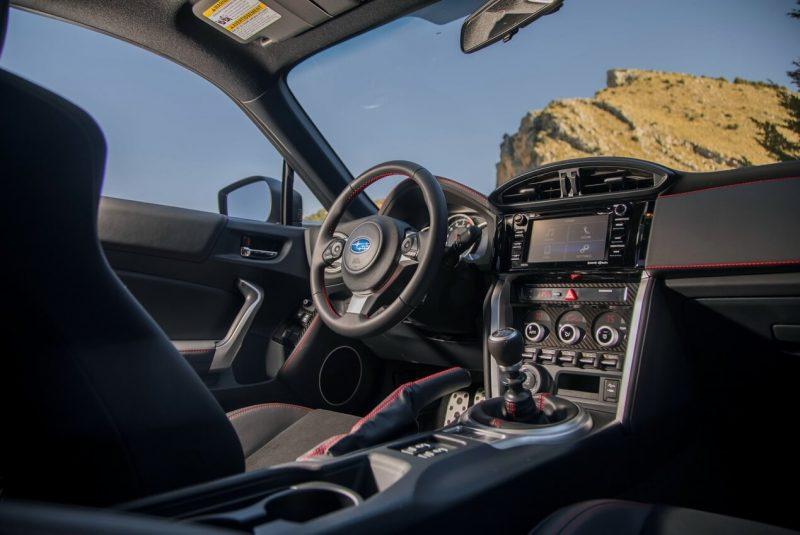 Многофункциональный дисплей Subaru BRZ