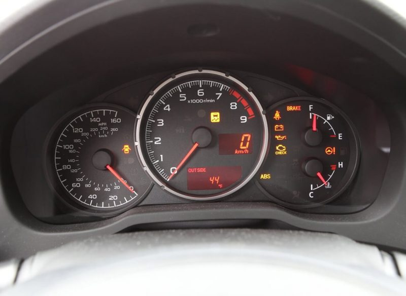 Панель приборов Subaru BRZ