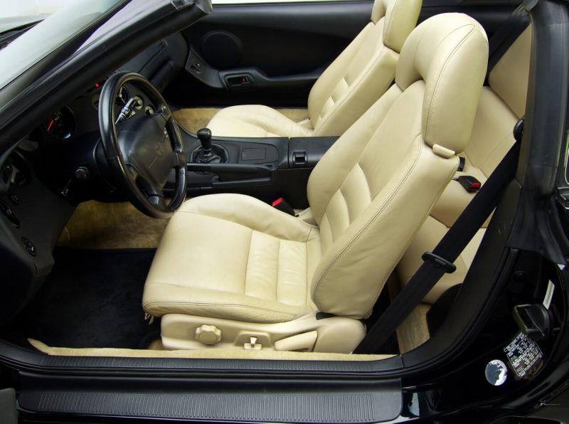 Передние кресла Supra MK IV