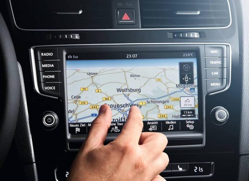Volkswagen Golf цветной экран