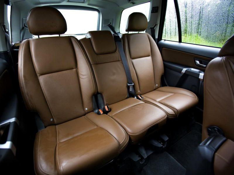 Второй ряд кресел Volvo XC90