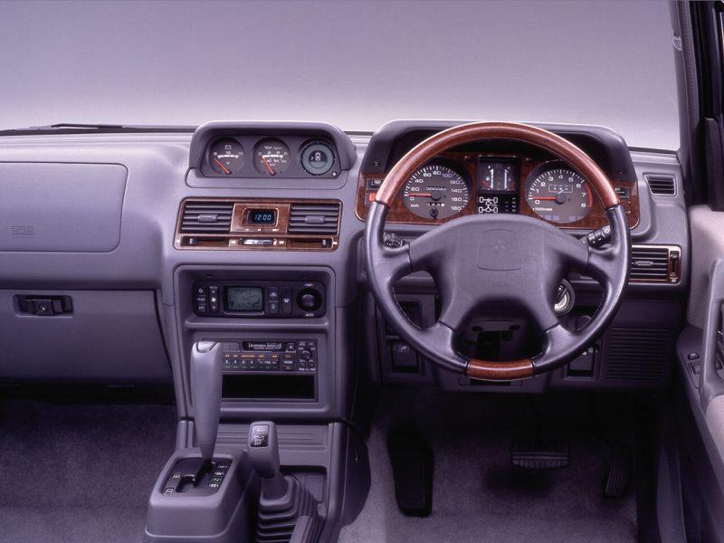 Mitsubishi Pajero 2 салон