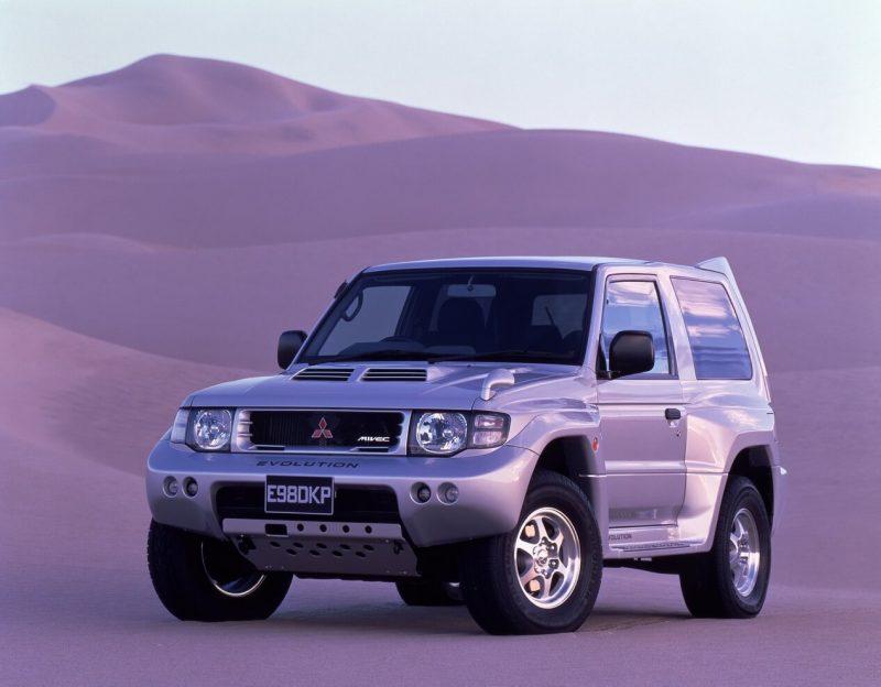 Фото Mitsubishi Pajero Evolution