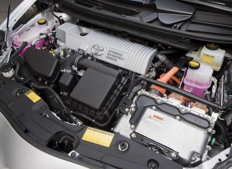 Toyota Prius III двигатель