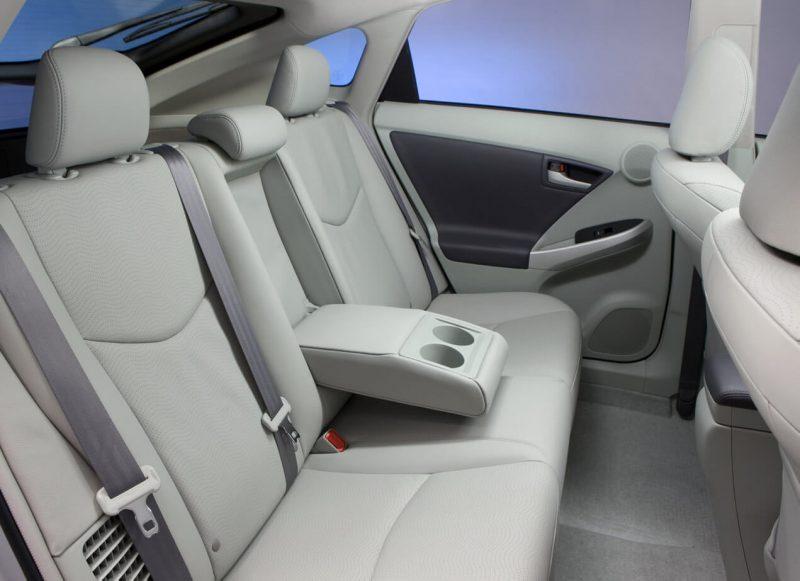 Toyota Prius III задний диван