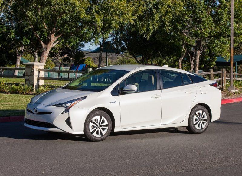 Toyota Prius IV фотография