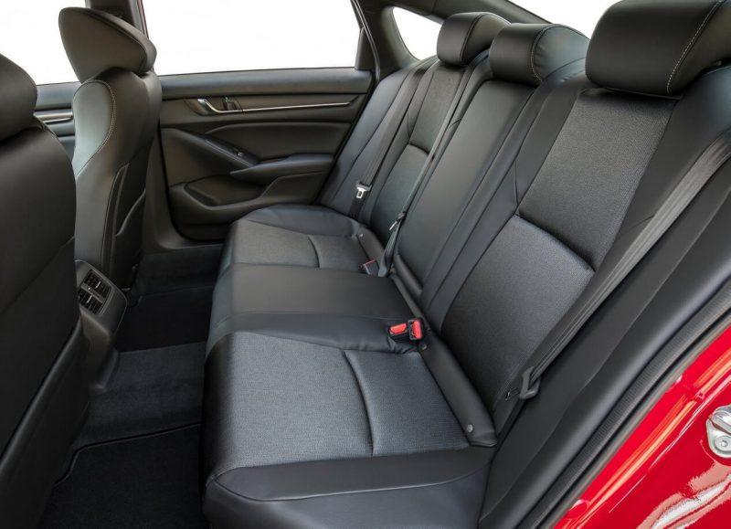 Задние сиденья Honda Accord X