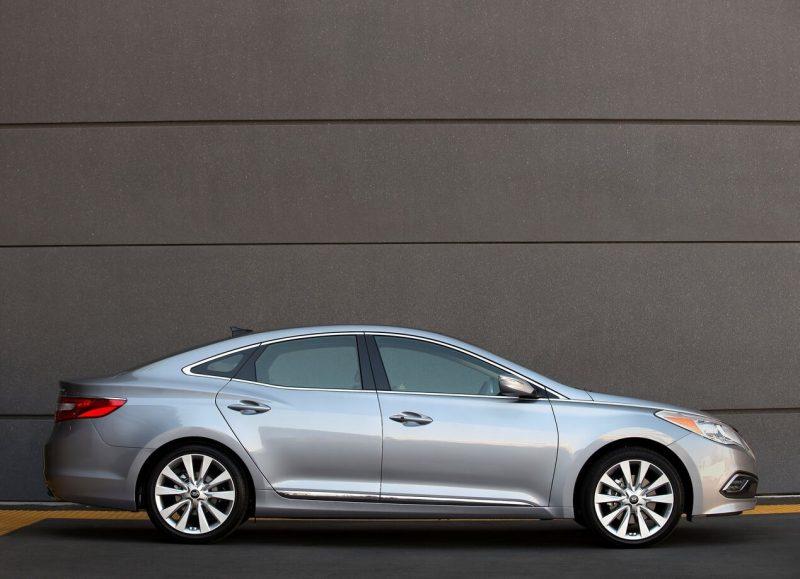 Hyundai Grandeur HG вид сбоку