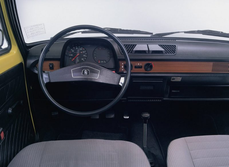 Салон Volkswagen Polo 1