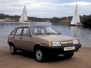 Автомобиль Лада 2109