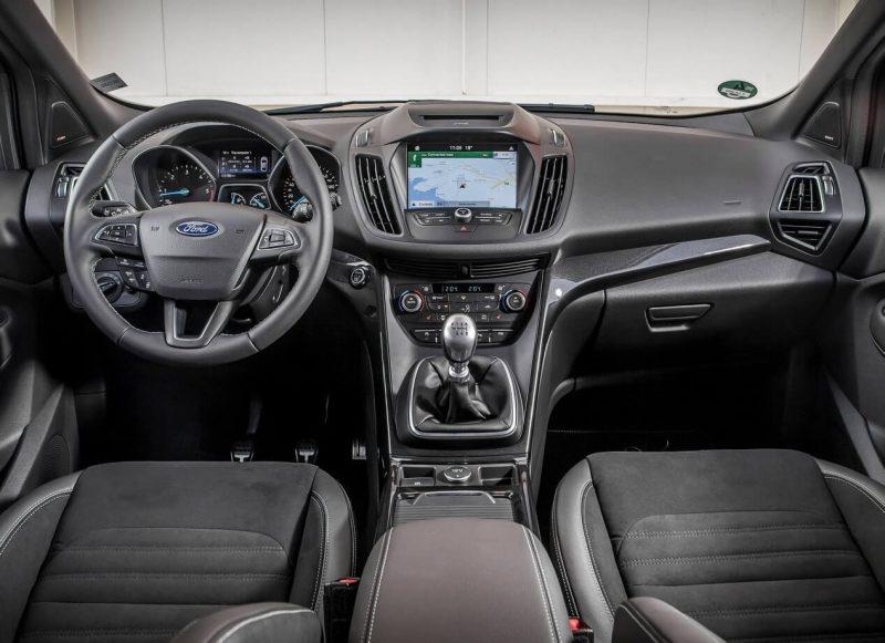 Салон Ford Kuga 2017