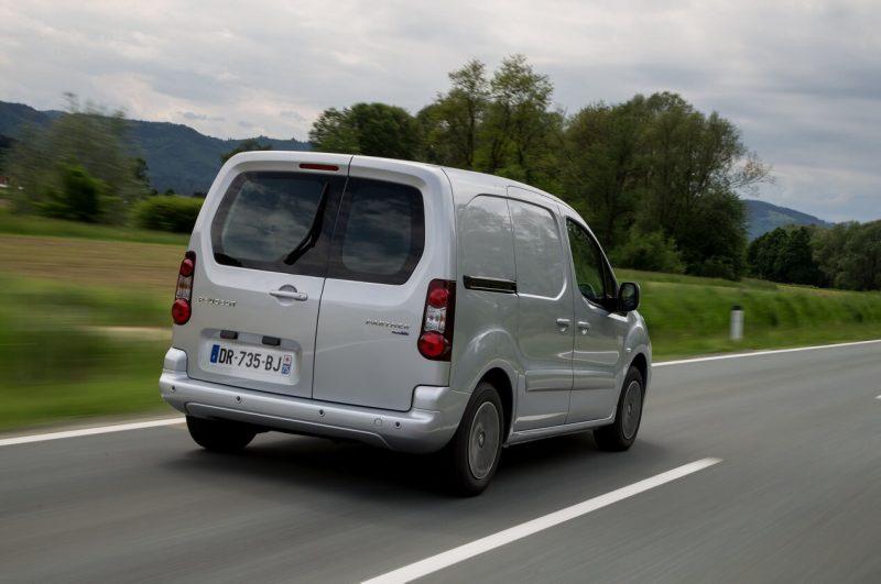 Фото авто Peugeot Partner Van
