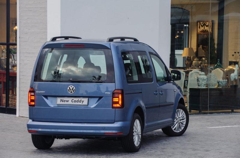 Вид сзади Volkswagen Caddy IV