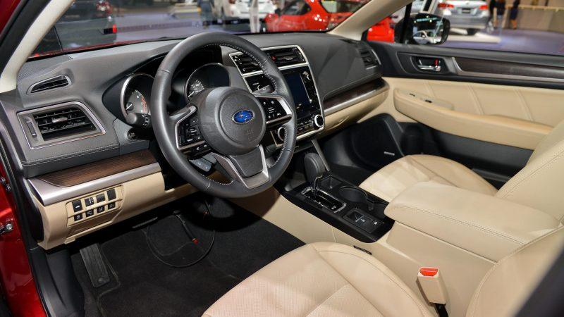 Салон Subaru Legacy