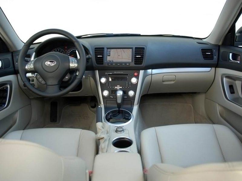 Салон Subaru Outback 3