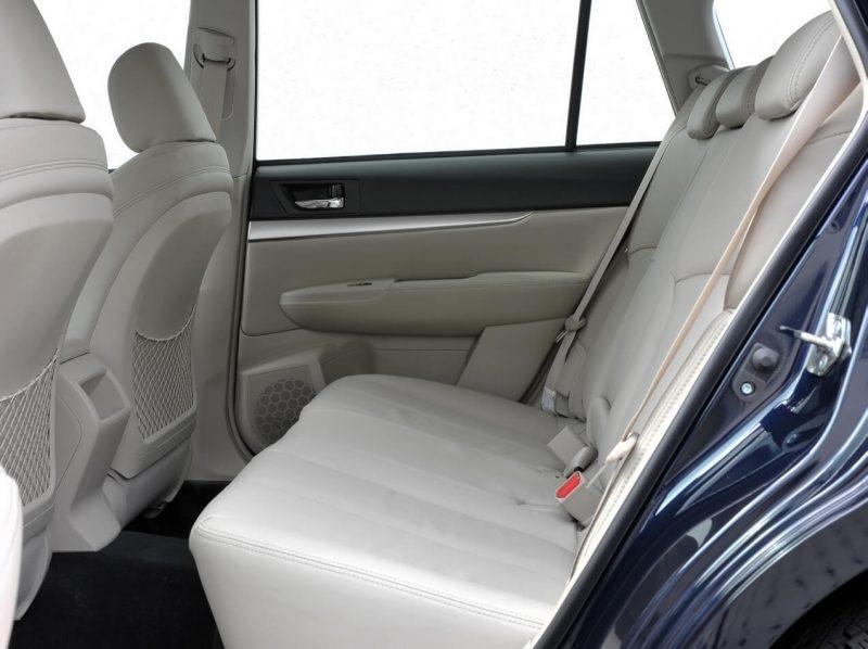 Задний диван Subaru Outback IV