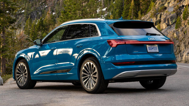 Фотография Audi e-tron