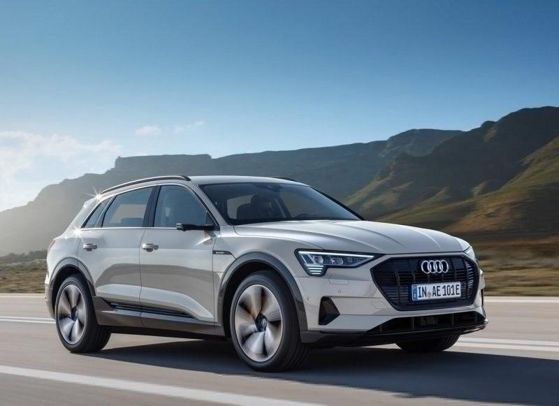 Фото авто Audi e-tron
