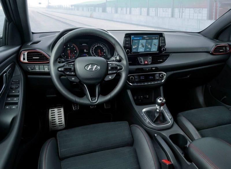 Салон Hyundai i30 Fastback