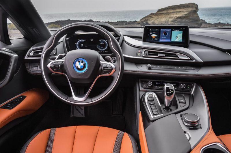 Фото салона BMW i8