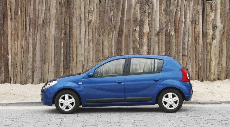 Вид сбоку Renault Sandero I