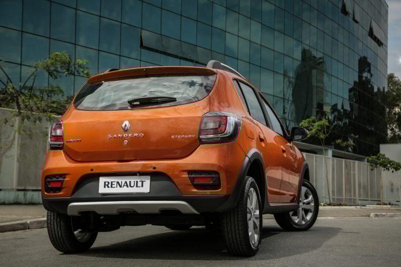 Вид сзади Renault Sandero Stepway II