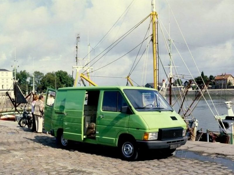 Авто Renault Trafic