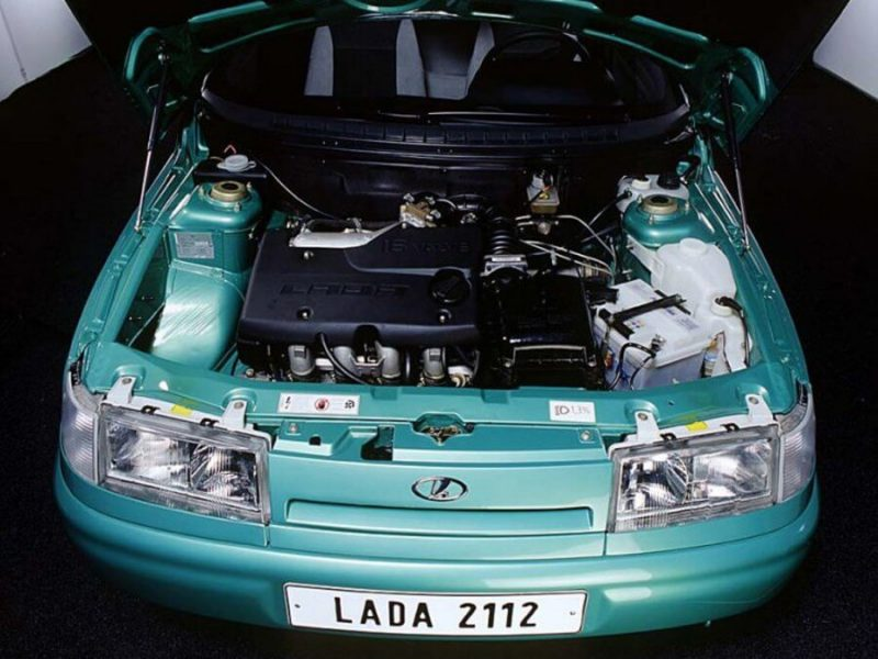 ВАЗ-2112 двигатель