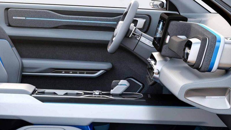 Эффектный кроссовер Geely. Что общего с Volvo и Lada?