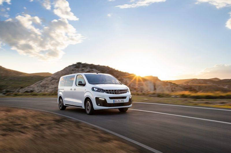 Авто Opel Zafira Life