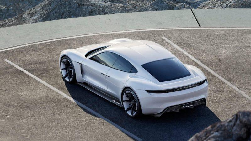 Фото Porsche Mission E