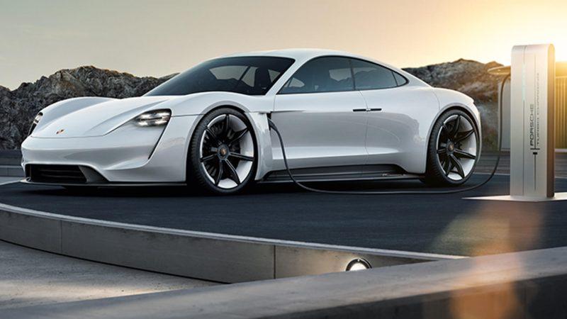 Электрокар Porsche Mission E