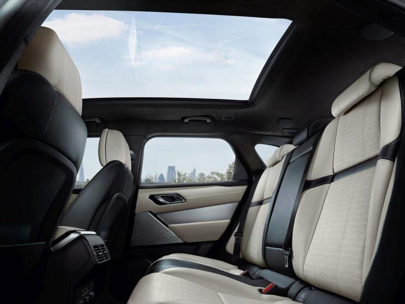 Второй ряд сидений Range Rover Velar