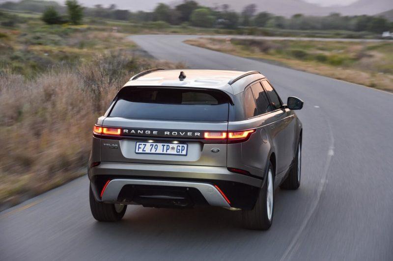 Вид сзади Range Rover Velar