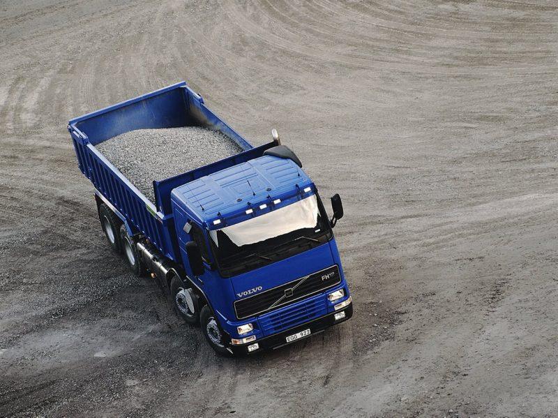 Самосвал Volvo FH12 Tipper