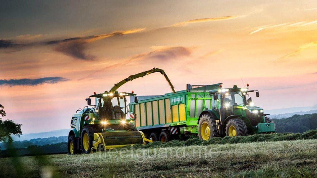 Универсальный сельскохозяйственный трактор John Deere