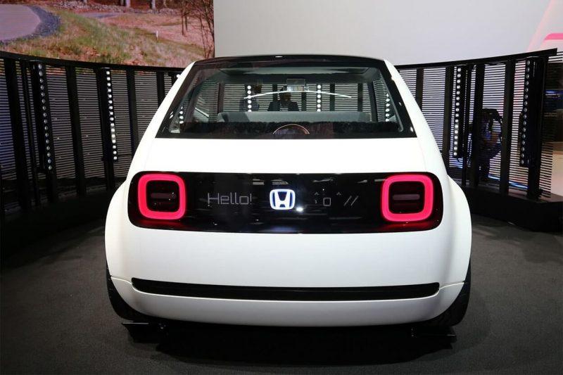Honda Urban EV вид сзади