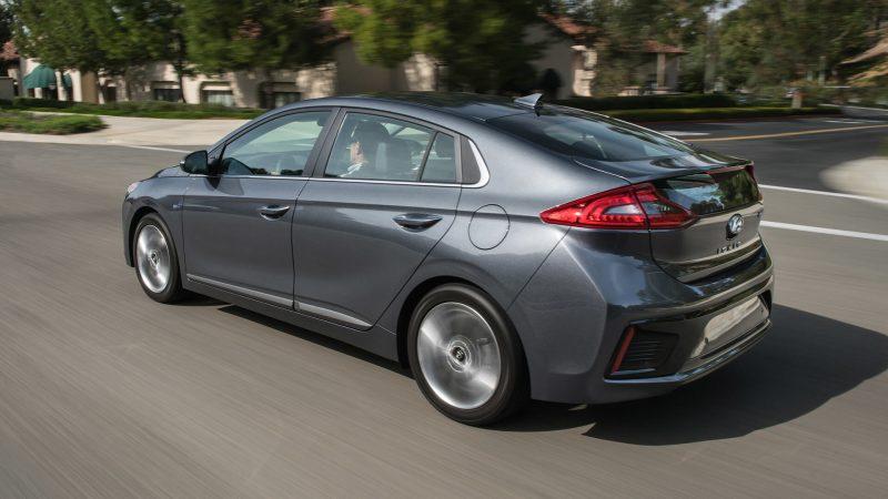 Фото Hyundai Ioniq Hybrid