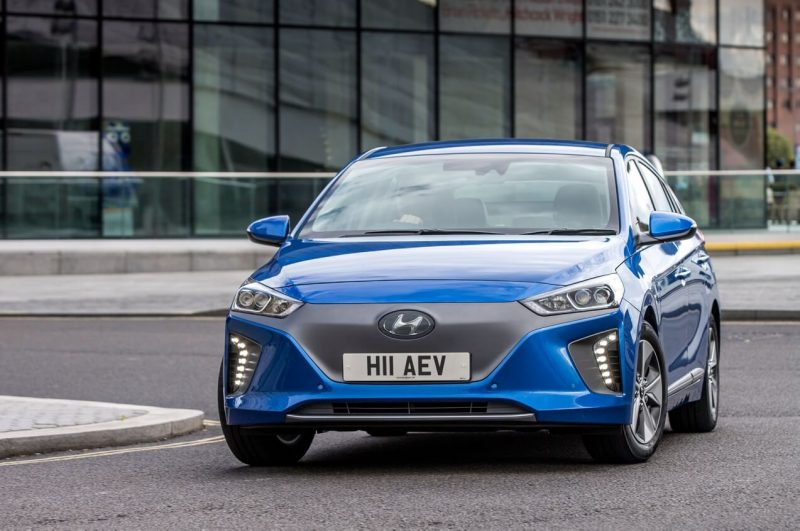 Вид спереди Hyundai Ioniq Electric