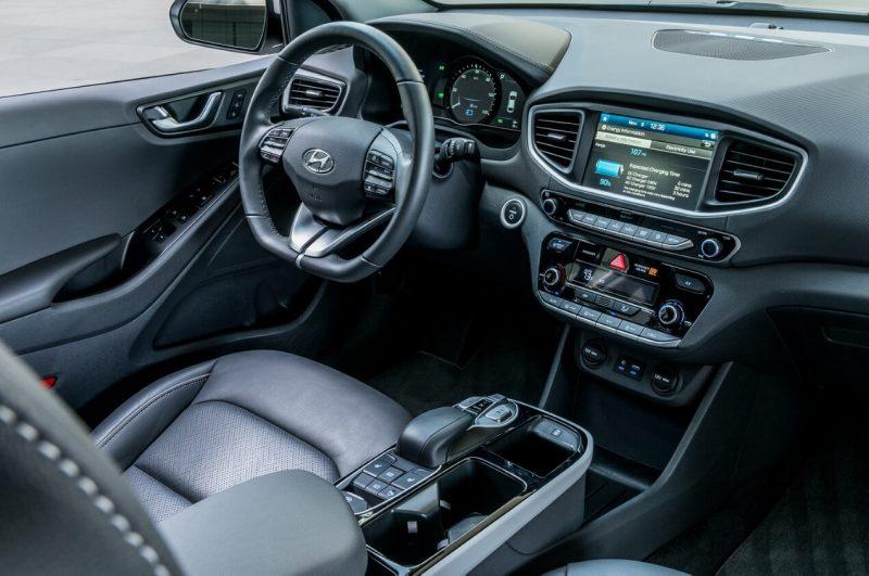 Интерьер Hyundai Ioniq