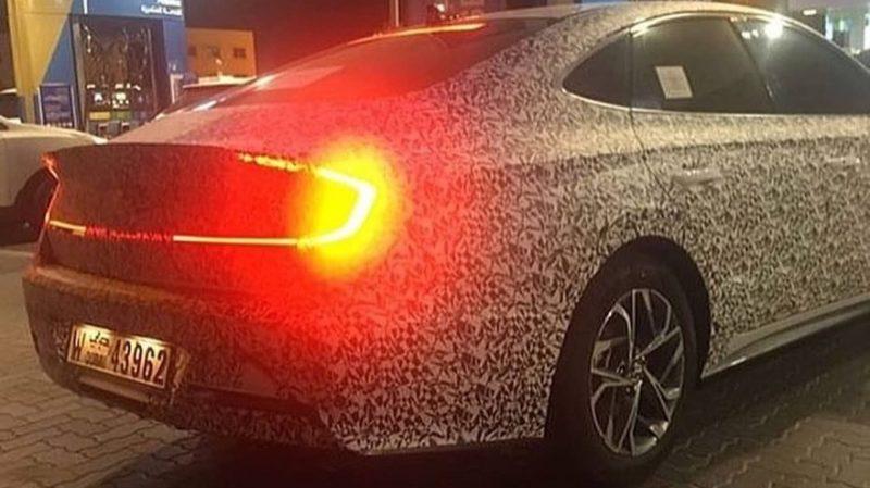 Вид сзади Hyundai Sonata
