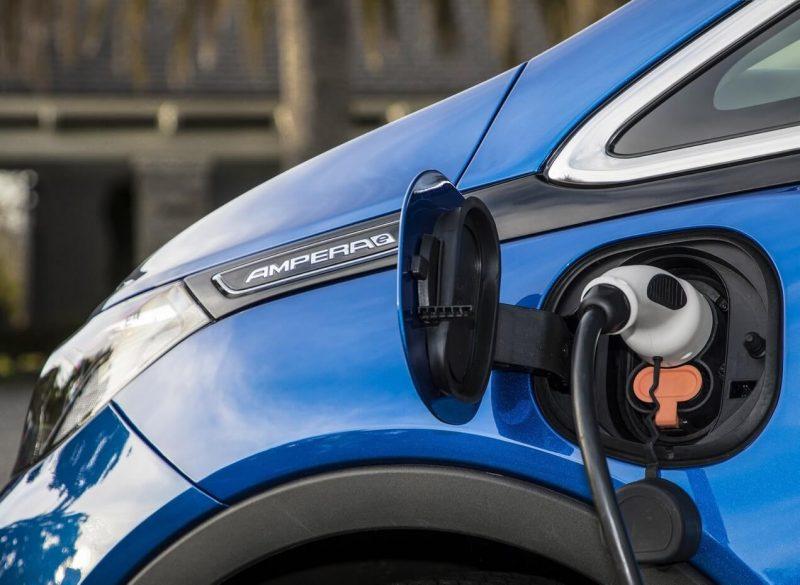 Зарядка АКБ Opel Ampera-e