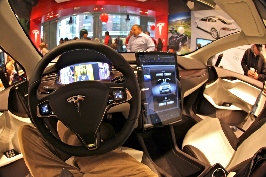Tesla Model X 100D 2019 года