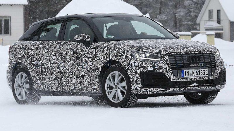Авто Audi Q2 E-Tron