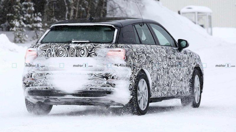 Audi Q2 E-Tron вид сзади
